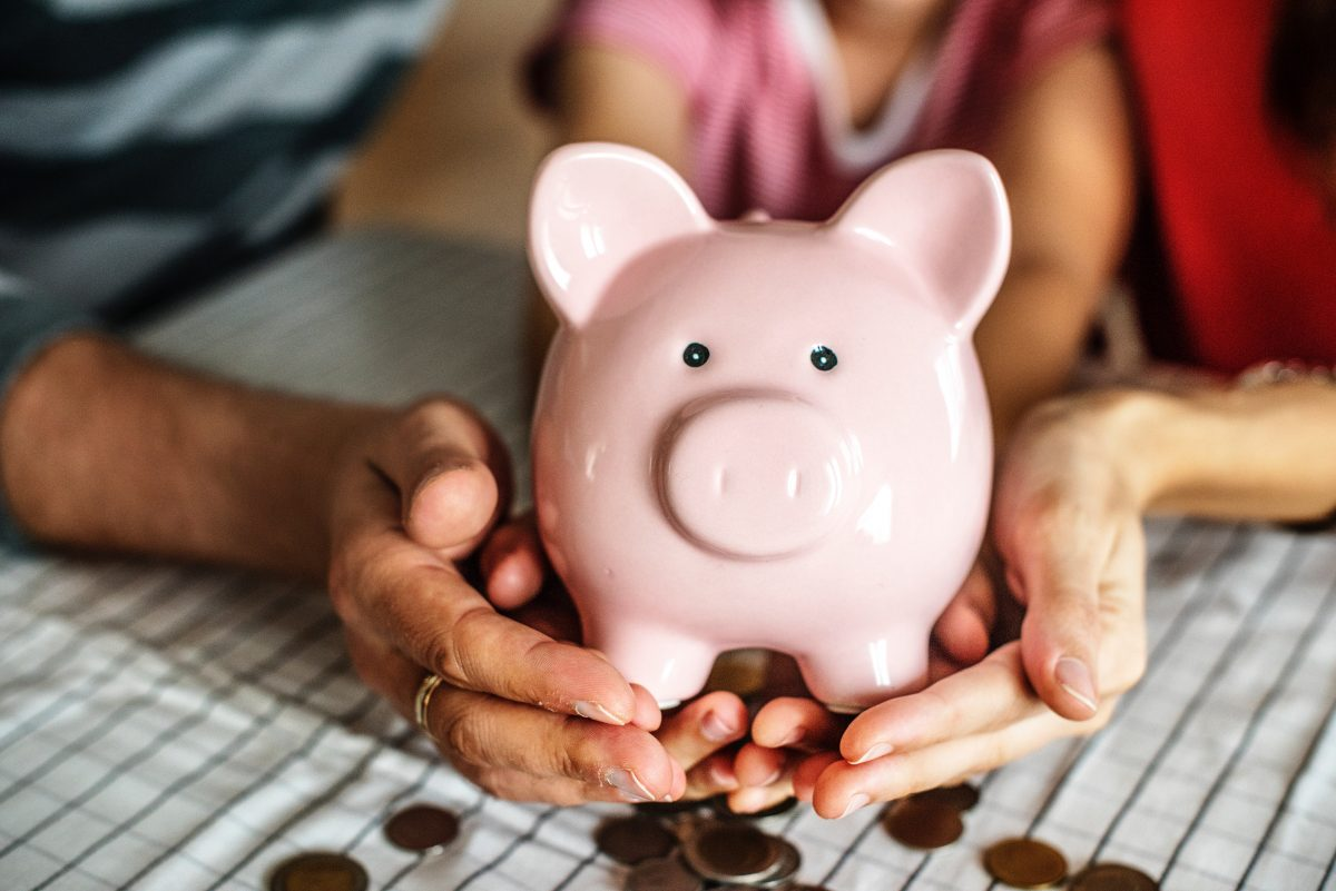 How to teach young children the value of money